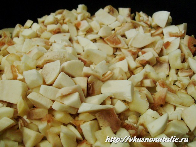 Грибной соус со сметаной - жарим грибы