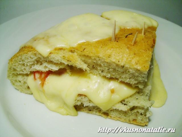 все домашние говорят, что бутерброды с помидорами и сыром - это хит!