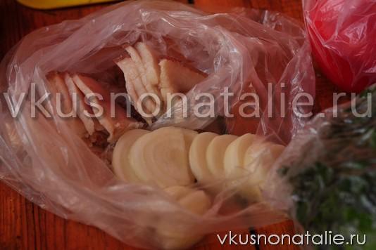 печеная картошка с салом в фольге