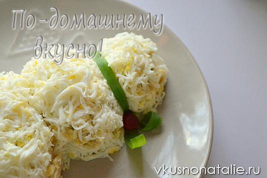 рецепт салата с копченой скумбрией