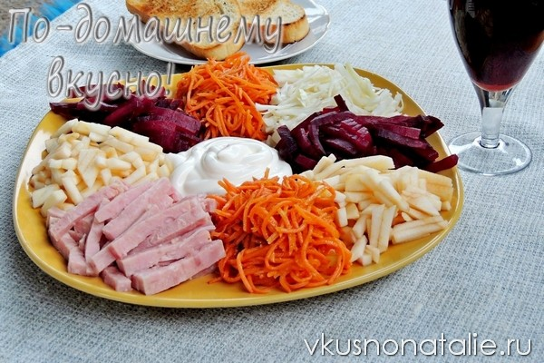 салат с козел в огороде с морковью по корейски