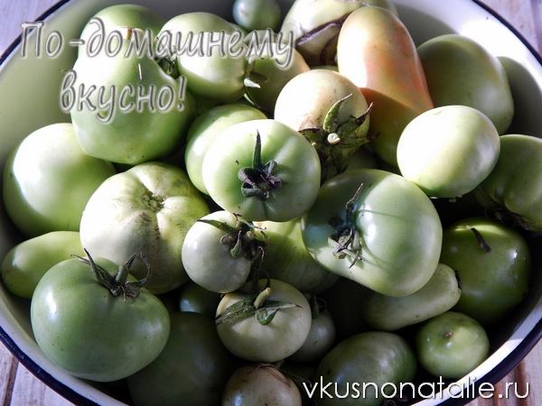 маринованные зеленые помидоры с базиликом
