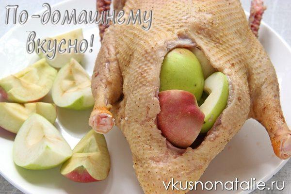 тушеная утка кусочками с яблоками рецепт